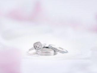 Fehérarany gyűrűk